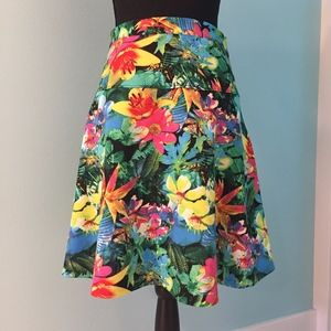 ♥️ Spense bright floral skirt